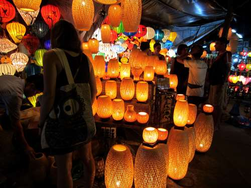 Instant shopping ! Hoi An Vietnam Claironyva