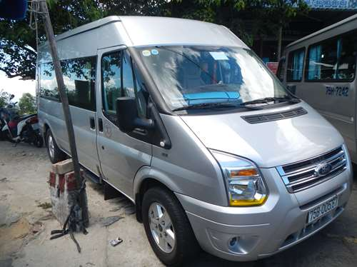 vietnam-claironyva_minibus