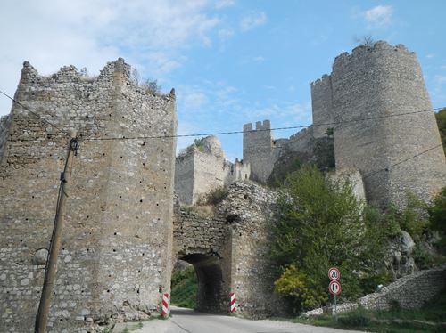 Belgrade forteresse de Golubac. Serbie Claironyva