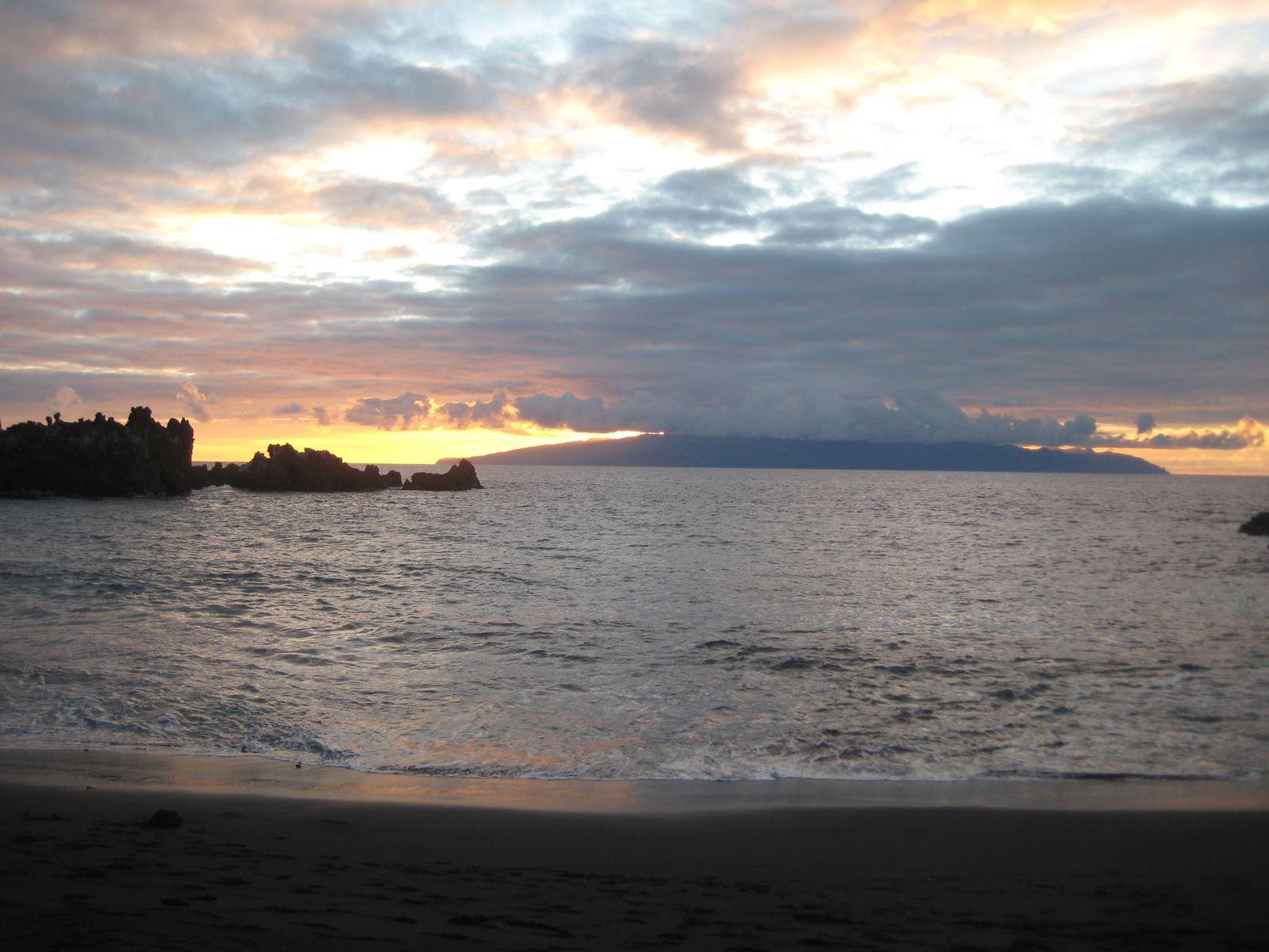 Tenerife Playa la Arena, coucher de soleil sur la Gomera