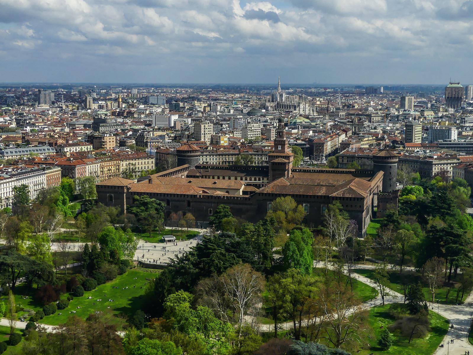 claironyva italie milan parc sempione tour branca
