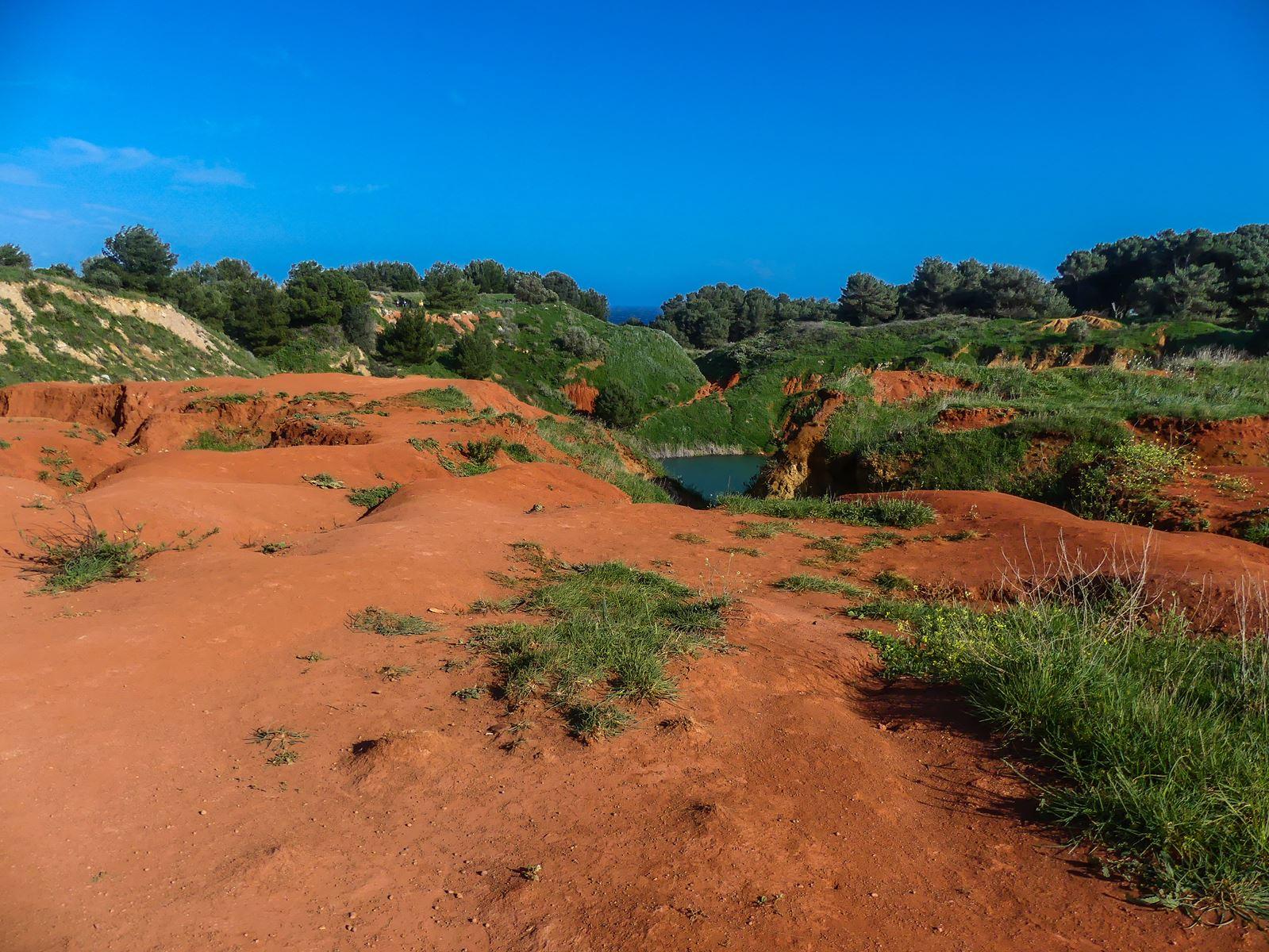 claironyva italie pouilles salento lac de bauxite