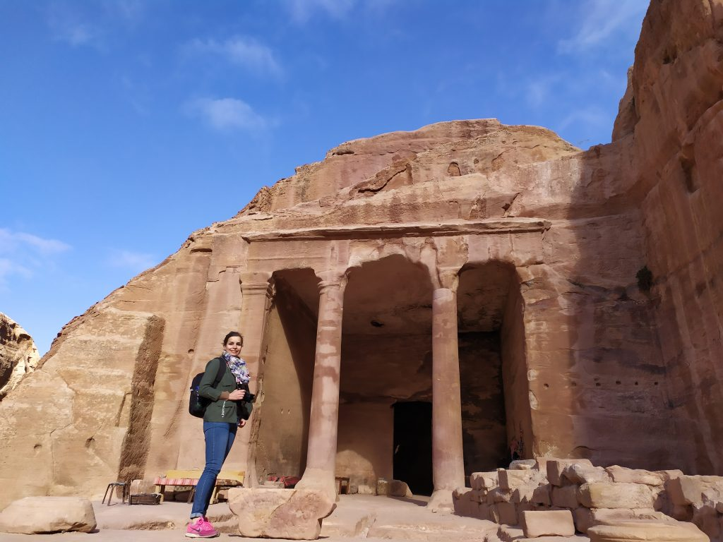 Tee shirt + gilet + veste et foulard à Petra !